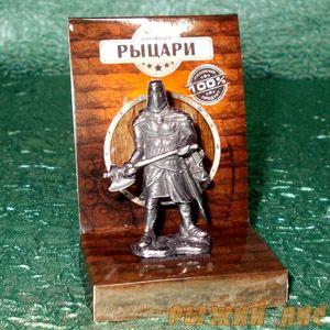 Тевтонский рыцарь с топором (олово)