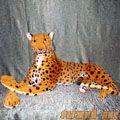 Леопард лежачий 90 см