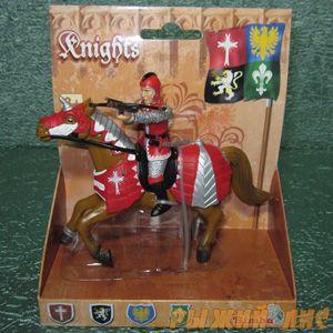 Красный рыцарь на коне. Вид№1.