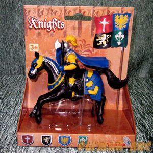 Синий рыцарь на коне. Вид №4.