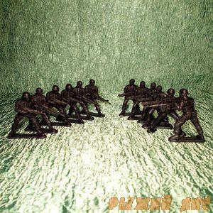 Солдатики/полицейские (12 шт.)