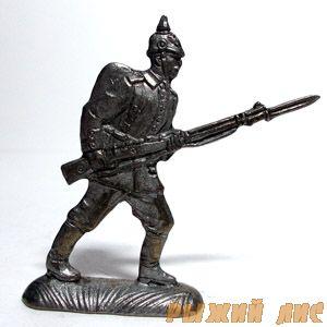 Германский солдат в бою ПМВ