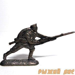Русский солдат в атаке ПМВ