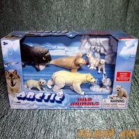 Животные Арктики (подвижные лапы). Вид №2