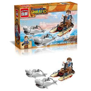 Конструктор Brick Пираты Дрейф с акулами