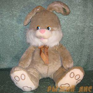 Заяц серый с бантом