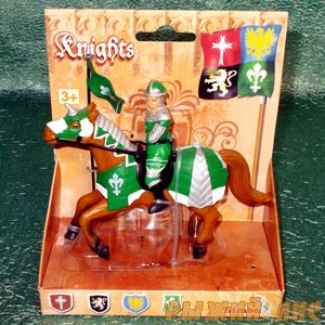 Зеленый рыцарь на коне. Вид №2.