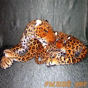 Леопард с детенышем
